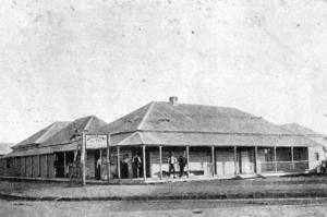 Image: Western Line Hotel c.1905 Source: John Oxley Library