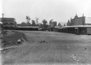 Image: Unsealed Main Street c.1911 Source: State Library Queensland