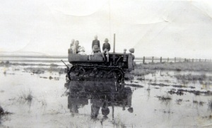 Image: Sowden's transport to the road during the 1951 flood Source: Mona Sowden