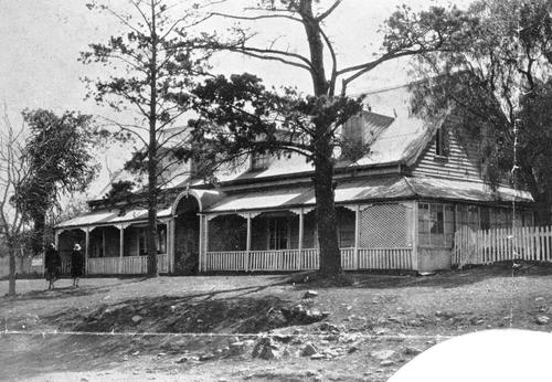 "Image: Drayton Post Office 1932 Source: State Library of Qld The building was erected in 1859. Until 1879 it housed the Royal Bull's Head Inn. From 1879 until the late 1890s it was used as a private residence, named ""The Terrace"". From then until 1952 it housed the Drayton Post Office. It is now a museum and a National Trust of Queensland building. The timber and brick nog construction is unusual in Queensland."